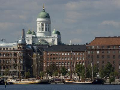 https://imgc.allpostersimages.com/img/posters/views-of-helsinki-from-harbor-with-lutheran-cathedral-in-background-helsinki-finland_u-L-P247PC0.jpg?p=0