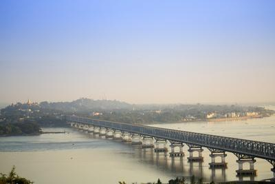 https://imgc.allpostersimages.com/img/posters/views-over-the-thanlwin-salween-river-and-mawlamyine-bridge-and-town-mon-myanmar-burma_u-L-Q12SB800.jpg?artPerspective=n