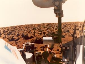 Viking 1 on the Martian Surface on July 24, 1976
