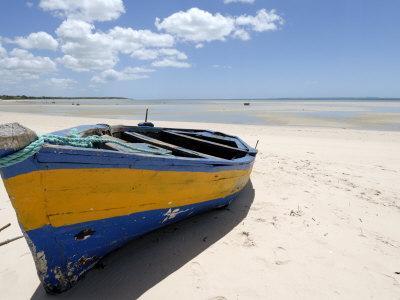 https://imgc.allpostersimages.com/img/posters/vilanculo-beach-mozambique-africa_u-L-P7X2XG0.jpg?p=0