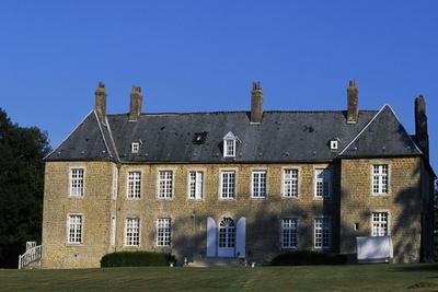 https://imgc.allpostersimages.com/img/posters/villeneuve-castle_u-L-PPQDZQ0.jpg?p=0