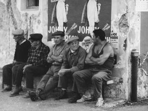Men on a Bench in Saint Tropez by Vincenzo Balocchi