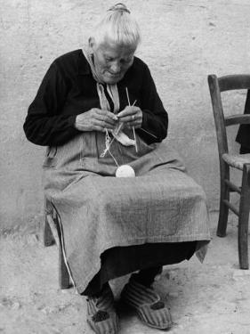 Old Woman at Work by Vincenzo Balocchi
