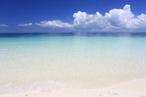 Beach, Pange Island by Vincenzo Lombardo
