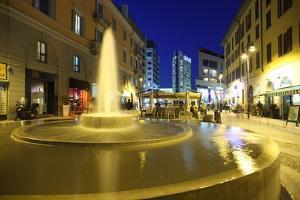 Corso Como at Dusk, Milan, Lombardy, Italy, Europe by Vincenzo Lombardo