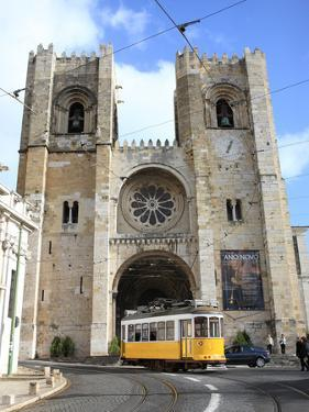 Tram and Se (Cathedral), Alfama, Lisbon, Portugal, Europe by Vincenzo Lombardo