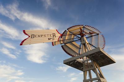 https://imgc.allpostersimages.com/img/posters/vintage-farm-windmills-at-sunset-elk-city-oklahoma-usa_u-L-PN6VM40.jpg?p=0