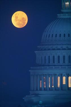 Dome of Capitol Building with Full Moon by VisionsofAmerica/Joe Sohm