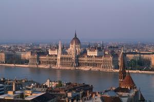 Danube in Budapest by Vittoriano Rastelli