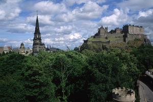 Edinburgh Castle by Vittoriano Rastelli