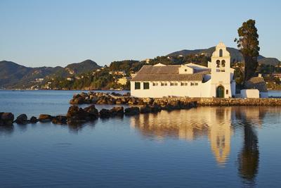 https://imgc.allpostersimages.com/img/posters/vlacherna-monastery-kanoni-corfu-ionian-islands-greek-islands-greece-europe_u-L-PQ8MRB0.jpg?p=0
