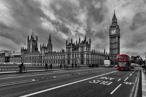 Double Decker, London by Vladimir Kostka