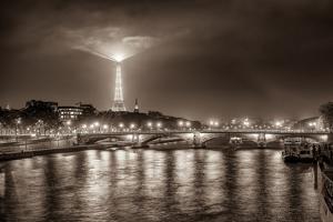 Paris Night by Vladimir Kostka
