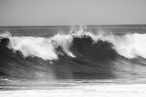 Wave Bw by Vladimir Kostka