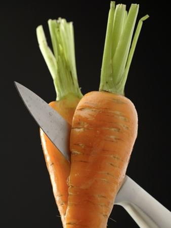 Cutting a Carrot in Half with a Knife