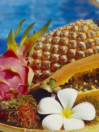 Exotic Fruits: Lychees, Red Pitahaya, Papaya, Pineapple