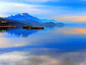 Boats on Lake Thun by Vladimir Sklyarov