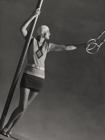 https://imgc.allpostersimages.com/img/posters/vogue-july-1928_u-L-PEP9SV0.jpg?artPerspective=n