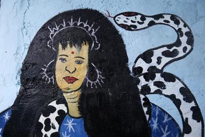 https://imgc.allpostersimages.com/img/posters/voodoo-goddess-voodoo-shrine-in-cotonou-benin_u-L-Q1GYI5P0.jpg?artPerspective=n