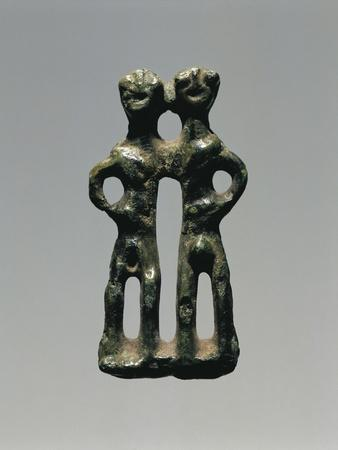 https://imgc.allpostersimages.com/img/posters/votive-bronze-statuette-representing-a-man-and-a-woman_u-L-POPSQ80.jpg?artPerspective=n