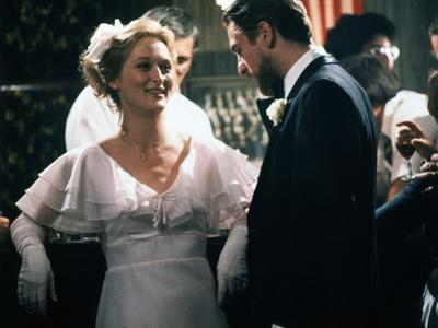 Voyage au bout by l'enfer THE DEER HUNTER by Michael Cimino with Meryl Streep and Robert by Niro, 1