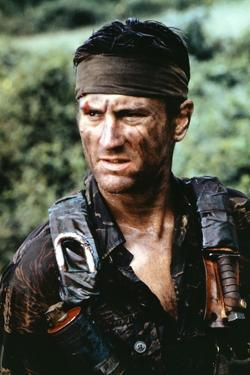 Voyage au bout by l'enfer THE DEER HUNTER by Michael Cimino with Robert by Niro, 1978 (photo)