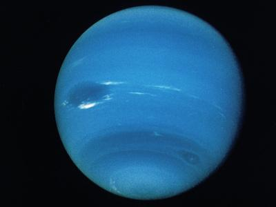 https://imgc.allpostersimages.com/img/posters/voyager-2-image-of-the-planet-neptune_u-L-PZITIU0.jpg?artPerspective=n
