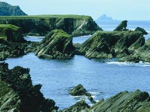 Rocky coast at Slea Head, Dingle, Ireland by W. Krecichwost