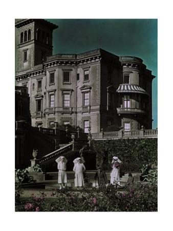 Nurses Take a Break from Work in the Hospital Gardens at the Osborne