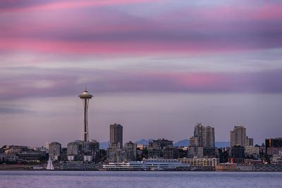 https://imgc.allpostersimages.com/img/posters/wa-seattle-space-needle-and-elliott-bay-from-west-seattle_u-L-Q12T8L40.jpg?p=0