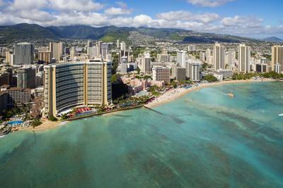 https://imgc.allpostersimages.com/img/posters/waikiki-honolulu-oahu-hawaii_u-L-Q1D0NHT0.jpg?p=0