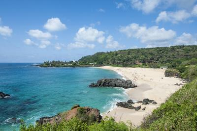 https://imgc.allpostersimages.com/img/posters/waimea-bay-beach-park-north-shore-oahu-hawaii-united-states-of-america-pacific_u-L-PXXRKA0.jpg?p=0