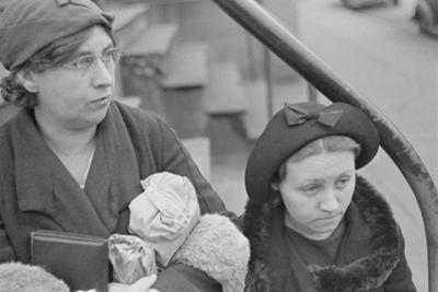Bystanders in Bethlehem, Pennsylvania, 1936 by Walker Evans