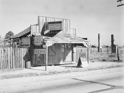 Coca-Cola shack in Alabama, 1935 by Walker Evans
