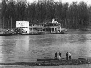 Ferry and River men, Vicksburg, Mississippi, c.1936 by Walker Evans