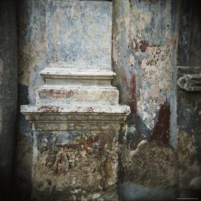 https://imgc.allpostersimages.com/img/posters/wall-detail-with-old-paint-havana-cuba-west-indies-central-america_u-L-P2QT670.jpg?p=0