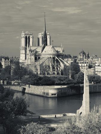 France, Paris,Cathedrale Notre Dame and the Pont De La Tournelle Bridge