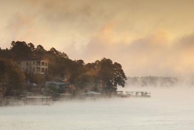 Lake Hamilton, Autumn Fog at Dawn, Hot Springs, Arkansas, USA