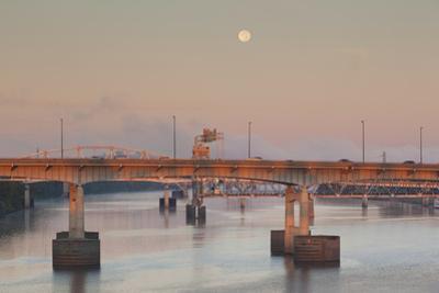 Moonset from the Arkansas River at Dawn, Little Rock, Arkansas, USA