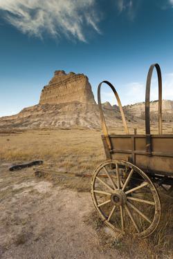 Pioneer Wagon Train Replica, Scottsbluff, Nebraska, USA by Walter Bibikow