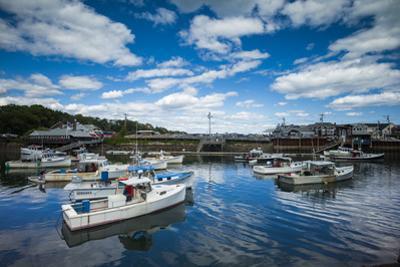 USA, Maine, Ogunquit, Perkins Cove, harbor by Walter Bibikow