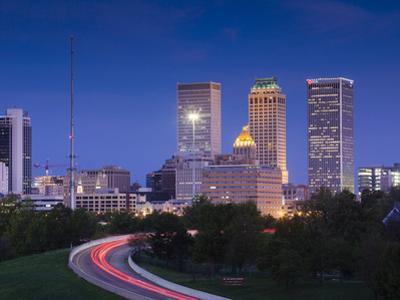 USA, Oklahoma, Tulsa, Skyline from Route 75