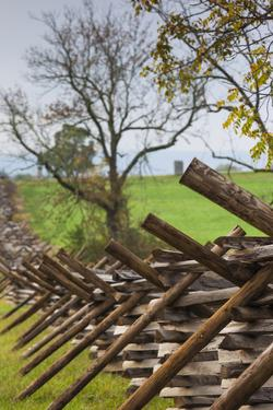 USA, Pennsylvania, Gettysburg, Battle of Gettysburg, Battlefield Fence by Walter Bibikow