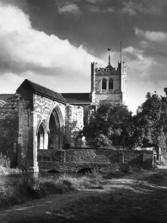 https://imgc.allpostersimages.com/img/posters/waltham-abbey-church_u-L-Q107JO40.jpg?p=0