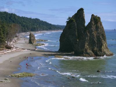 Cake Rock on Rialto Beach, Olympic National Park, UNESCO World Heritage Site, Washington State, USA