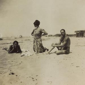War Campaign 1917-1920: Group Photo on the Beach