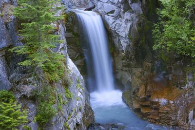 https://imgc.allpostersimages.com/img/posters/washington-mount-rainier-national-park-christine-falls-scenic_u-L-Q12T7JJ0.jpg?p=0