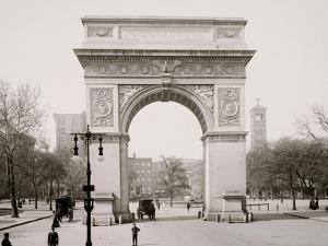 Washington Square and Memorial Arch, New York
