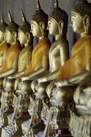 https://imgc.allpostersimages.com/img/posters/wat-arun-temple-of-the-dawn-bangkok-thailand-southeast-asia-asia_u-L-PNGECY0.jpg?p=0