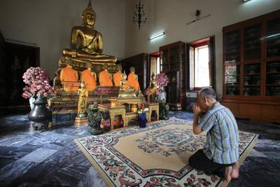 https://imgc.allpostersimages.com/img/posters/wat-pho-wat-phra-chetuphon-bangkok-thailand_u-L-Q1GYHIT0.jpg?artPerspective=n
